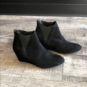 New directions black suede boots shoes new